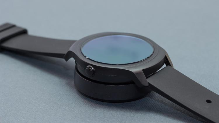 مراجعة ساعة Ticwatch S&E الذكية