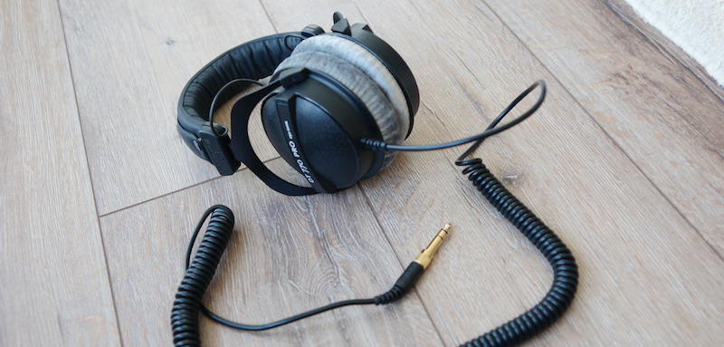 Beyerdynamic DT770 Pro Studio Headphones Review 250/80 Ohms - Samma3a Tech