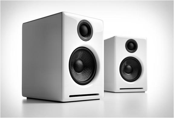 كيفية تحسين التجربة السمعية في جهاز التلفاز