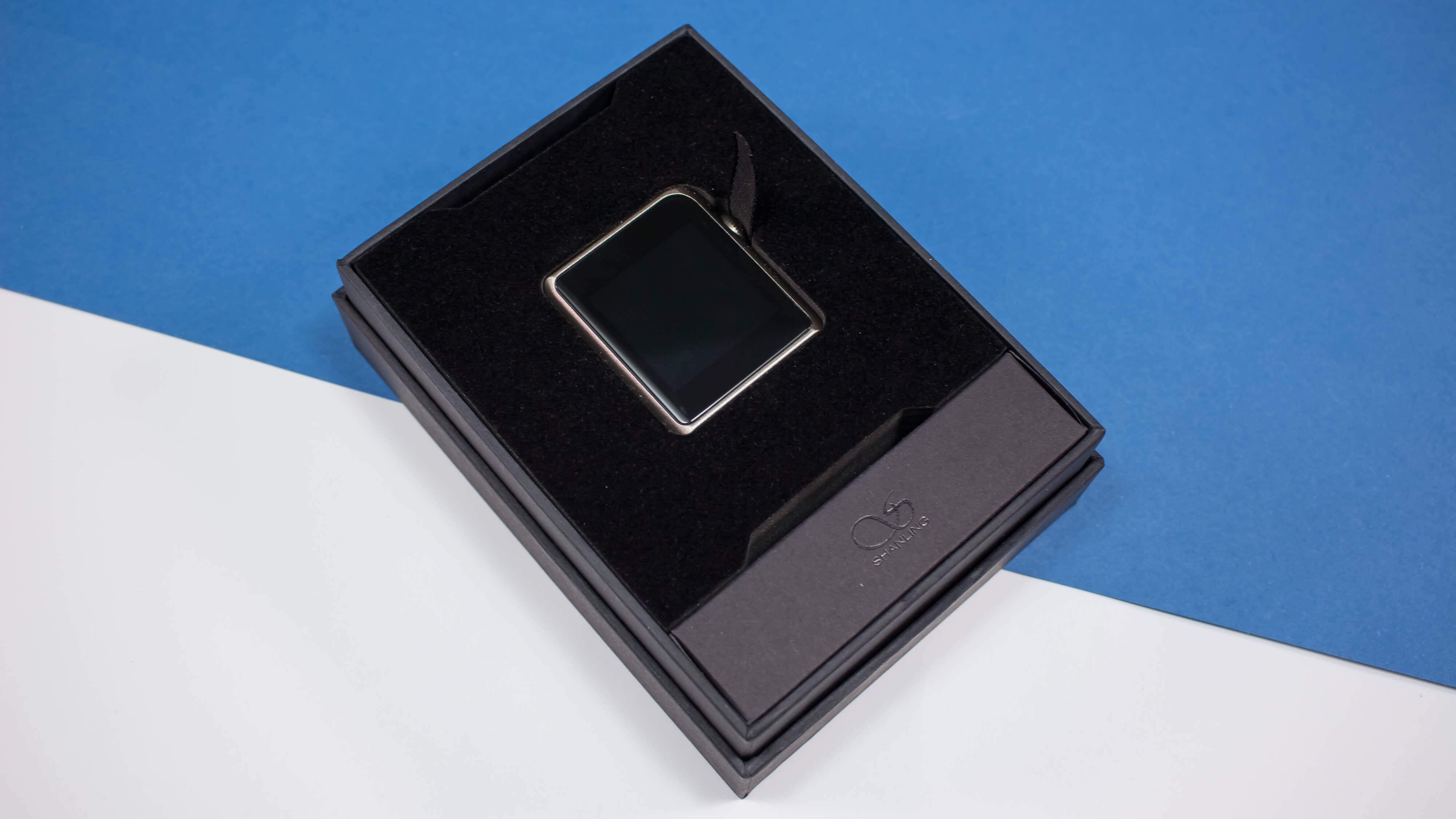 m0-open-box